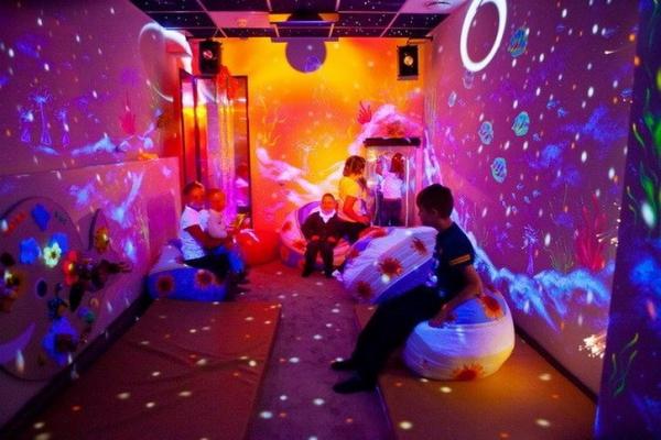 Проведение занятий в Тёмной сенсорной комнаты от Звёздное детство